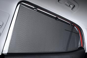 Manual rear door curtain
