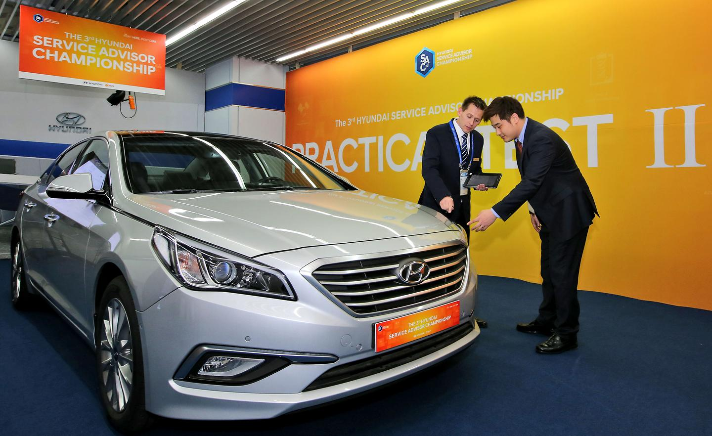 hyunday motors Hyundai motor market cap $4972 b as of may 2014at a glanceindustry: auto & truck manufacturersfounded: 1967country: south koreaceo: mong-koo chungwebsite.
